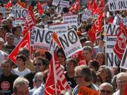 Thumb_spain-strike-protest