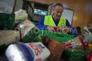 Thumb_1355248791-madrid-food-bank-raises-its-donors-to-cope-with-demand-during-crisis_1670832